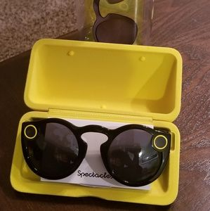 Snapchat Spectacles (New in Case)